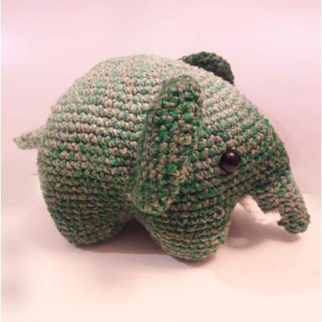 Horgolt elefánt figura